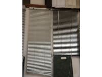 i have brand new 25mm Venetian blinds in white or silver