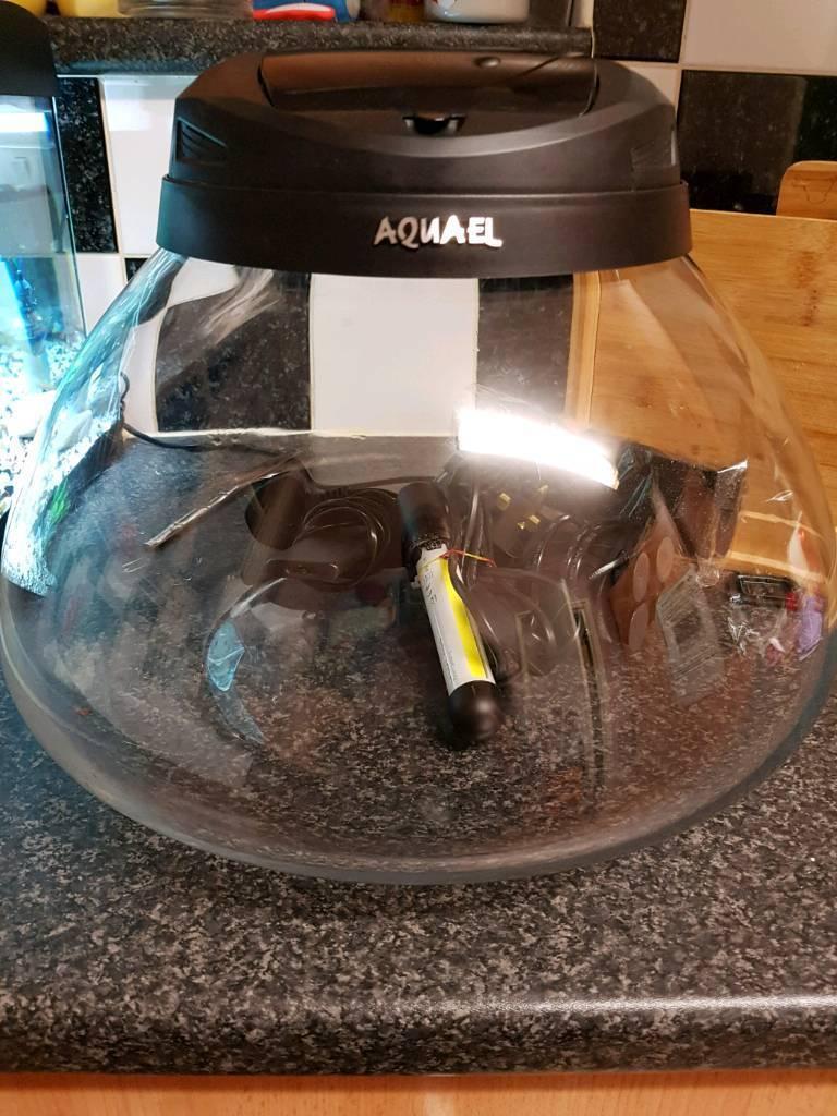 Aquael fish tank for sale
