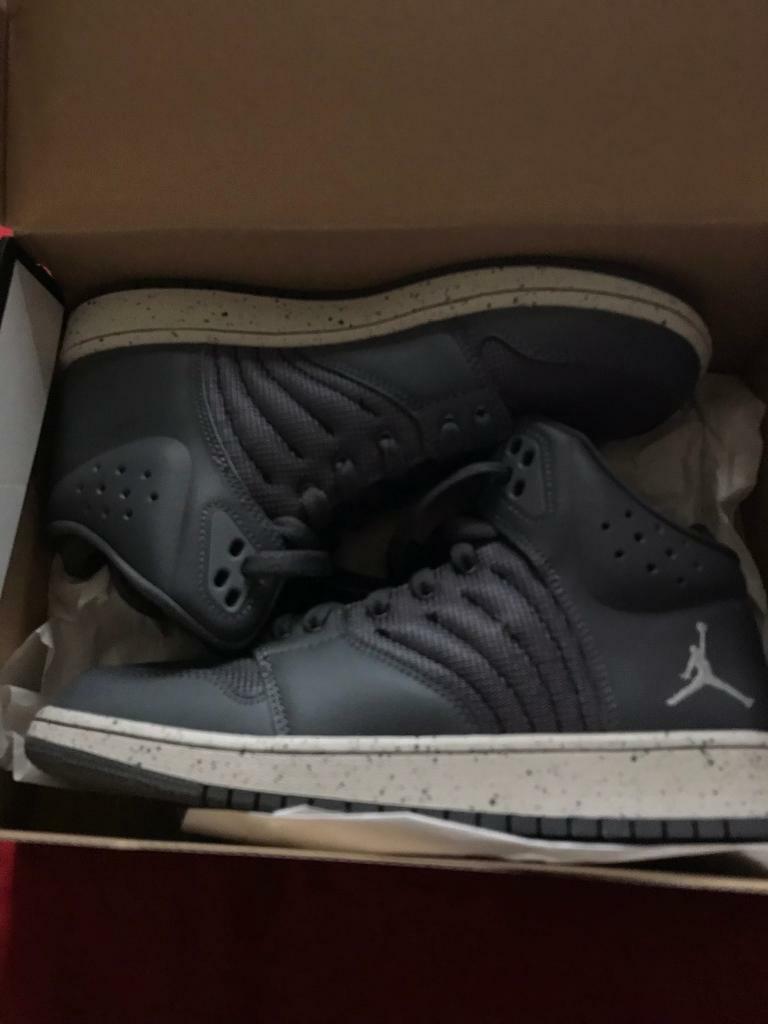half off 8245d c45e9 Kids Nike air Jordan trainers shoes UK 5.5