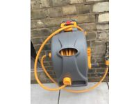 Garden hose and reel - Hozelock wall-mounted hose reel 25m - virtually new