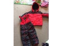 LIKE NEW! OshKosh snowsuit set 3 years