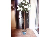 Artificial 4ft Cream Rose Trees looks so reall Weddings,Churches,Gardens,Venus,Partys,Funrals. NEW