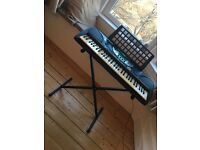 Yamaha PSR-270 - Portable - 61 touch sensitive keys - with pedal, manual and stand