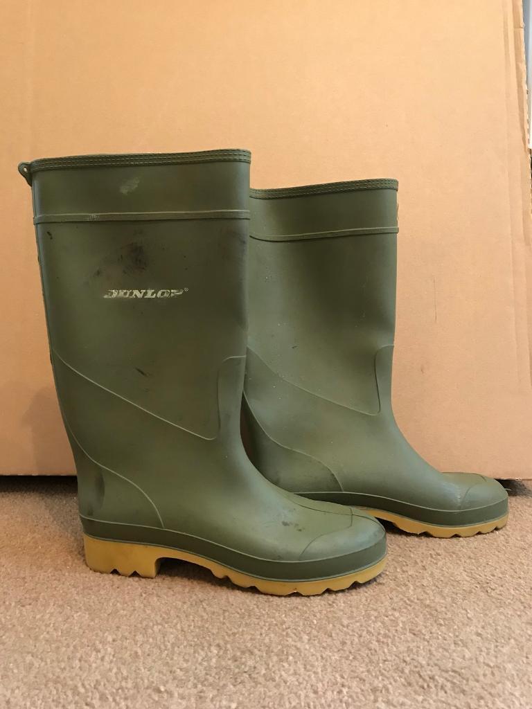 Dunlop wellies size 5