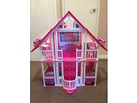 Barbie dream house, excellent condition. Still has all accessories