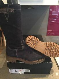 Teens ladies boot bnwt RRP £149 size 38