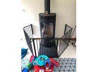 BabyDan XL Fire Surround/Configure Gate, Black