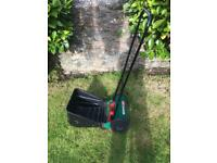 Qualcast Panther 30 Hand Powered Cylinder Lawnmower (30 cm Cutting Width)