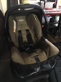 Graco snugfix child seat with base