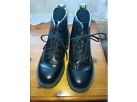 Doc/Dr Marten boots size 8