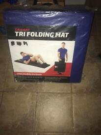 Gymnastic/trifolding matts