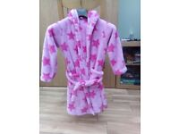 Girl's dressing gown size 7-8 pink stars