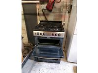 New world double oven, with gas hob