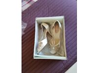size 4 wedding shoes