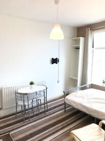 Modern City Centre Apartments, All Bills Inc,Fully Furnished, Flexible Tenancy starting from £450.00