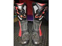 Akito M-PACT motorcycle boots