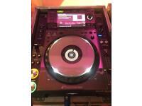 2x Pioneer CDJ 2000 NXS and DJM 900 NXS