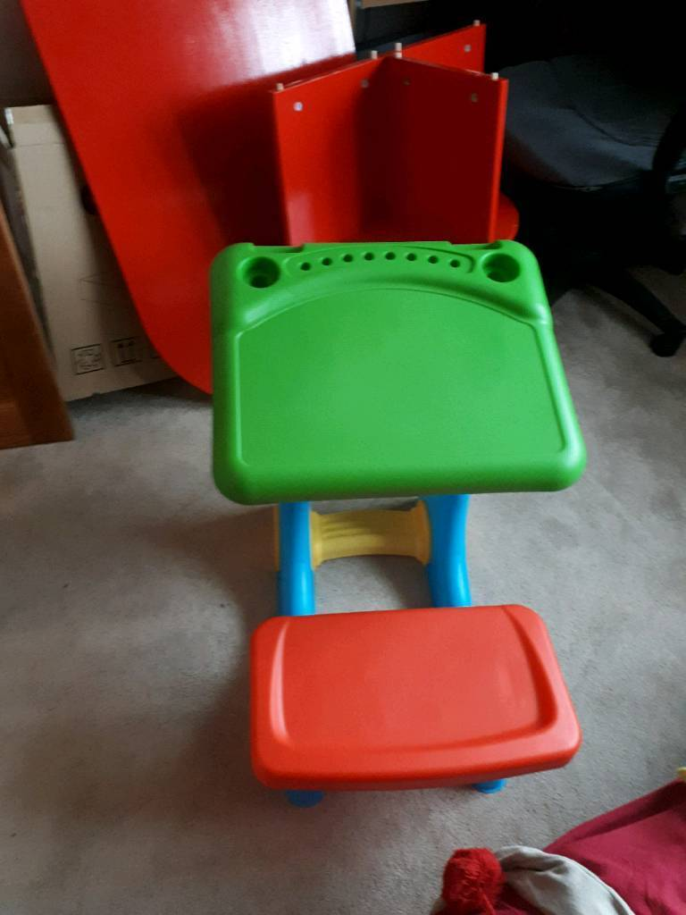 Small plastic drawing table