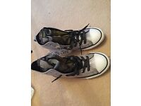 Girls converse boots brand new in box size uk 2.5