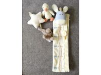 Baby's nursery Growth chart ruler + Plush soft carillon and duckling