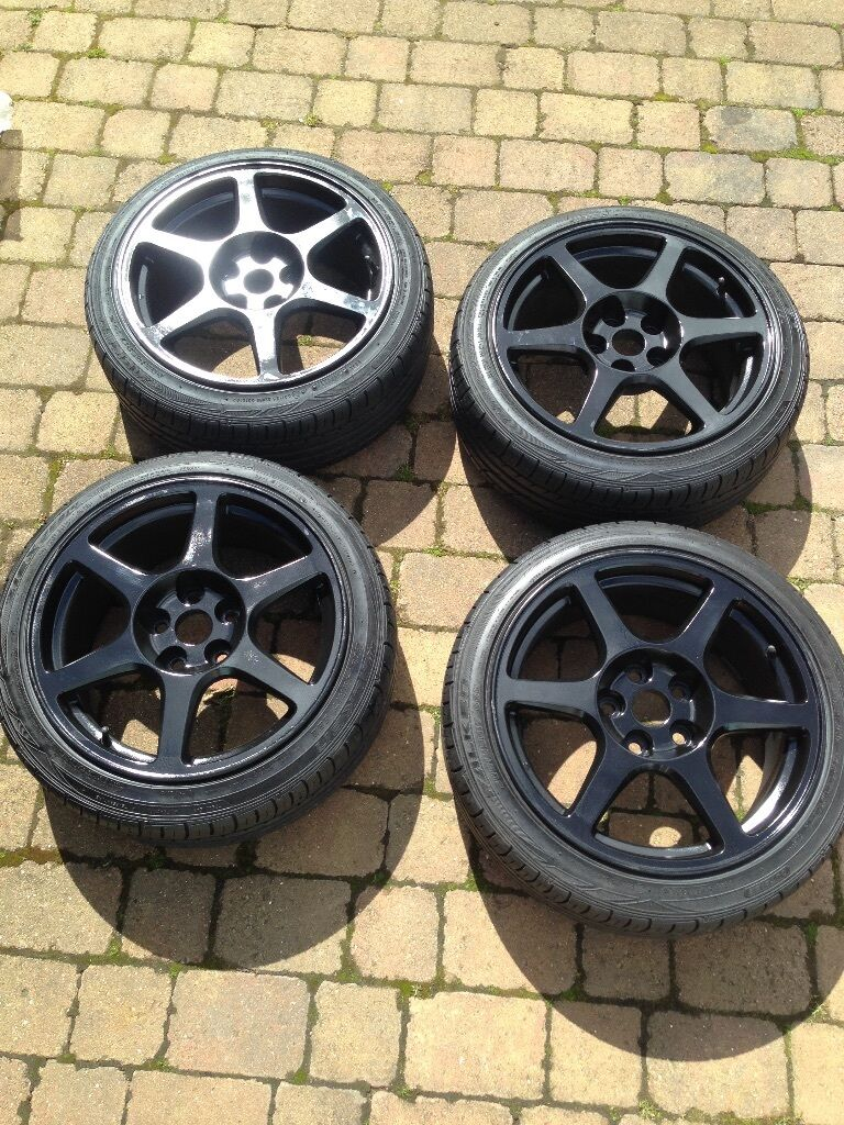 Fit Civic Type R. Black, nearly new tyres