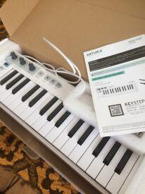 Arturia keyboard midi or cv sequencer - polyphonic! hardly used, w/ box