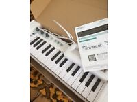 Arturia keyboard midi or cv sequencer - polyphonic! hardly used, w/ box