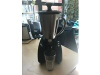 Kenwood Smoothie Maker - powerful 800W, blends smoothly