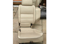 Land rover Cream leather seats. 7 Seater