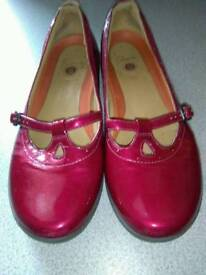 CLARK'S RED PATENT LEATHER SHOE, WITH STRAP DETAIL SIZE 39 WIDE FIT