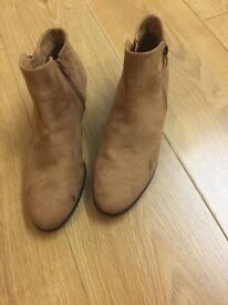 Lady's Boots