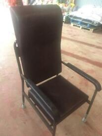 Orthapedic lather chair new with adjustable legs