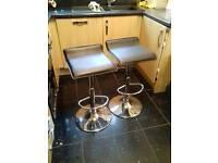 2 x Pneumatic up & down breakfast bar stools
