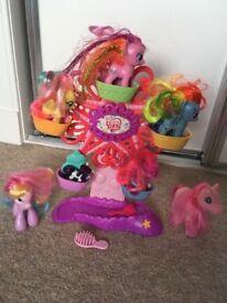 My Little Pony Ponyville Ferris Wheel Playset & ponies