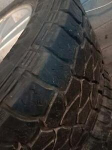 275/55 R20 summer tires with Cheverlet mags 20 inch