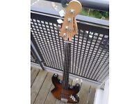 Fender Squier Fretless Bass - £150
