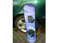 BLUE SHORT SNOWBOARD IN GOOD CONDITION