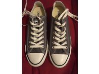 Converse ladies size 4.5. Brand new never worn in excellent condition. Grey