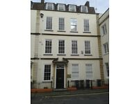 Lovely furnished one bed top floor flat in central Bristol, available November