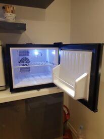 Chillquiet mini fridge 17ltr black