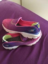 Kids sketchers size 13