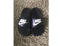 Nike Benassi JDI Slide Sandal (U.K 8 / EU 43)