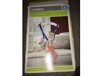 Lindam Jump About plus door bouncer with instructions and box (though box is wripped)