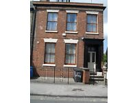 One-bedroom self contained flat. Close to Hull Royal Infirmary and City Centre.