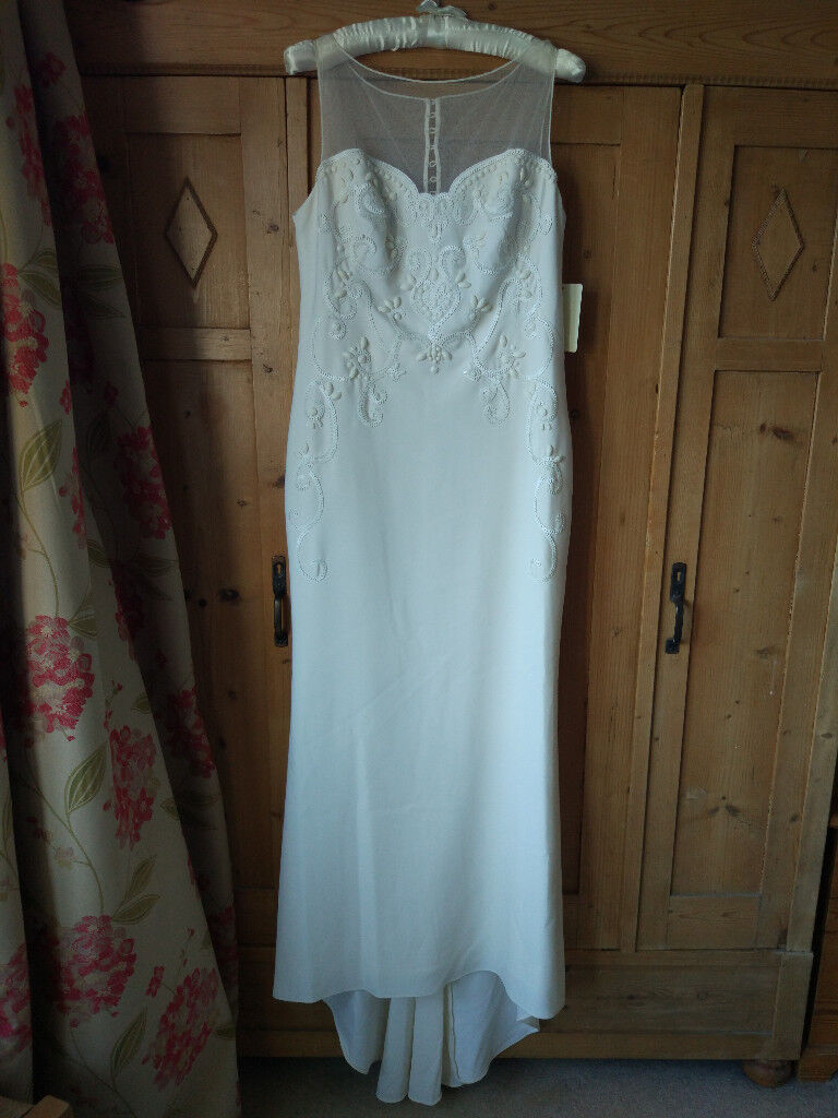 Elegant and flattering Phase Eight BNWT Carinne Ivory/Cream Size 16 ...