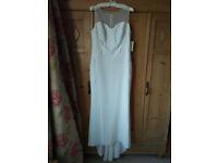 Elegant and flattering Phase Eight BNWT Carinne Ivory/Cream Size 16 Bridal/Wedding Dress