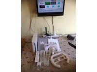 NINTENDO WII CONSOLE WITH ALL LEADS + EXTRAS GAME PAD NUN PILOT STICK CONTROLLER PICK UP wymondham