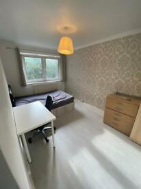 ** DOUBLE ROOM LET RENT IN E1 5QN BETHNAL GREEN WHITECHAPEL ZONE 1/2