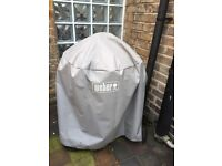 Weber Barbecue 57cm + wood logs - only twice used!!