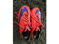 Astro turf trainers size uk 4
